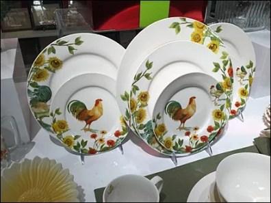 Capon vs Thanksgiving Turkey