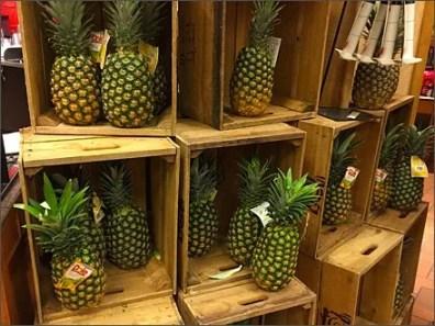 Dole Pineapple Pyramid 1