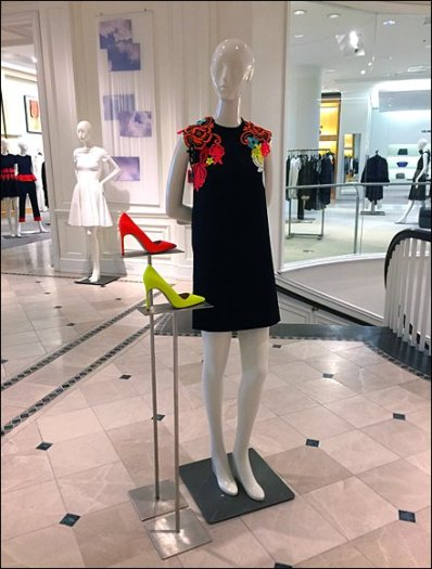 Loud Shoes Sell The Dress 1