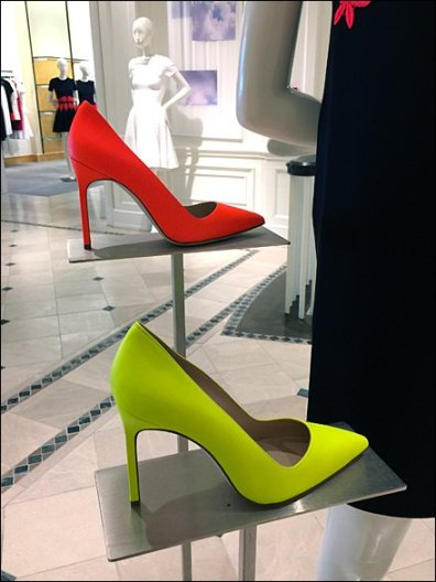 Loud Shoes Sell The Dress 3