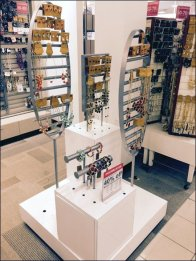 Tiered Plug-In Jewelry Outfitting 1