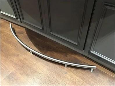 Bose Speaker Bar Footrail 3