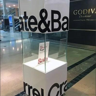 Crate Barrel Mall Concourse Cubist Branding