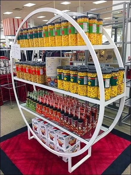 Hoop Shelf Hoopla Sells Gourmet Popcorn