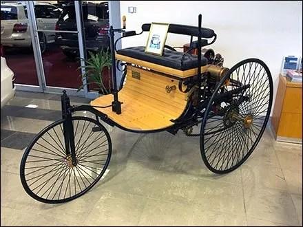 Mercedes Vintage Motor Wagon 1