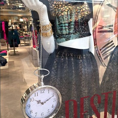 Pocket Watch Purse Visual-Merchandising
