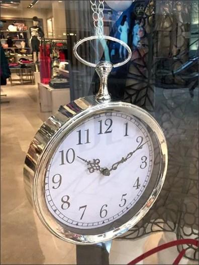 Pocket Watch Purse Visual-Merchandising