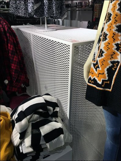 Expanded Metal Display Table For Retail