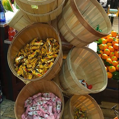 Gourmanoff - Candy Bentwood Basket Tree 2