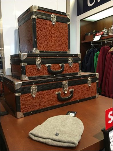 Polo Hard Sided Valise Propping 1