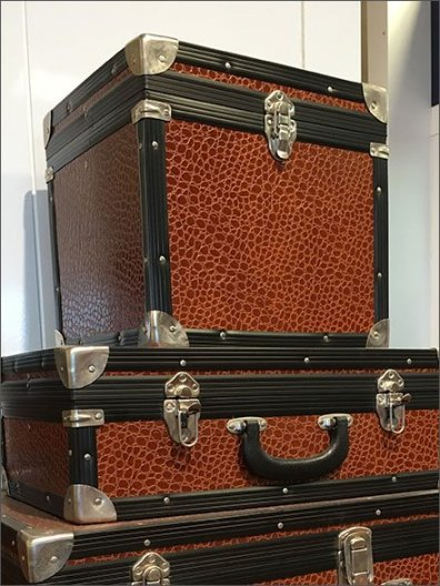 Polo Hard Sided Valise Propping 3