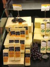 Aged New York Cheddar and Grape Coss-Sell 2