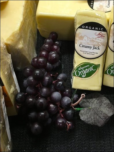 Aged New York Cheddar and Grape Coss-Sell 3