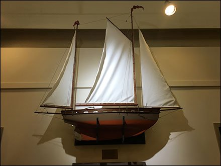 Dane Decor Ship Model 1