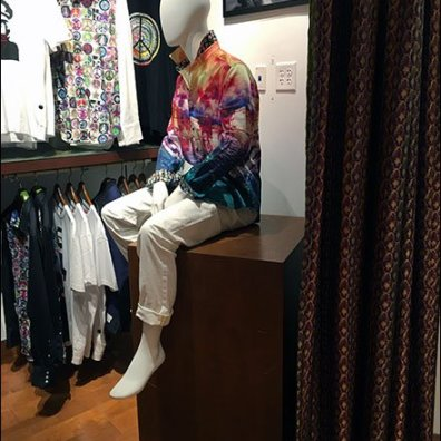 Robert Graham Mannequin Takes a Break 1