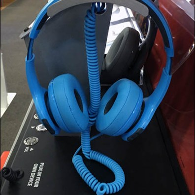 JBL Branded Headphone Display Goes Wireless