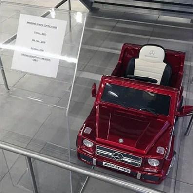 Mercedes Benz Manhattan Moderno Radio Control Car Feature