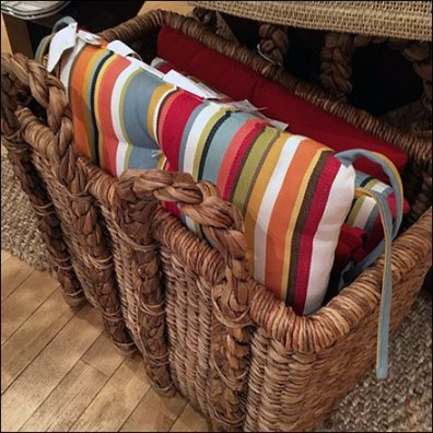 Wicker Basket Pillow Presentation Aux