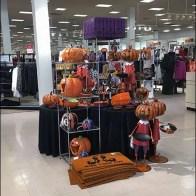 Halloween Merchandising En Masse 1