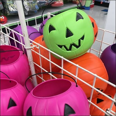 halloween-pumpkin-candy-carry-pail-bulk-bin-bifucated-feature