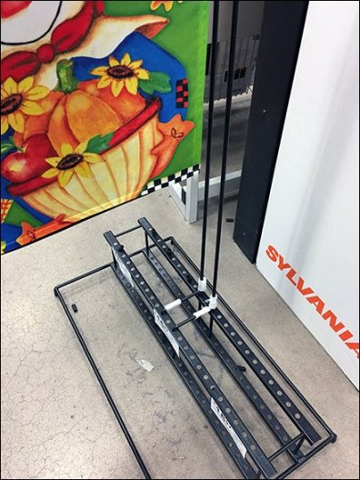fall-lawn-flag-plug-in-floor-rack-2