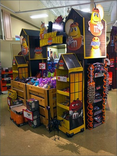 halloween-branded-candey-display-1