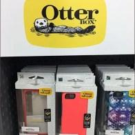 otter-box-cell-phone-case-pallet-kiosk-3