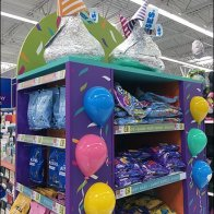 party-time-kisses-endcap-candy-display-2