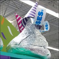 party-time-kisses-endcap-candy-display-square