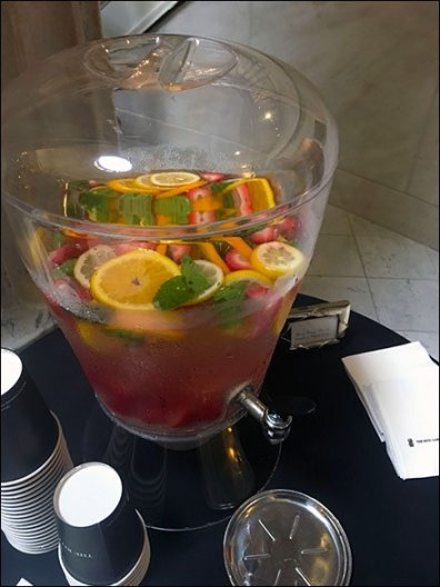 ritz-carlton-lobby-lemonade-2