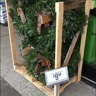 tractor-supply-wreath-merchandising-crate-2