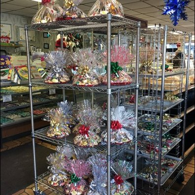 Christmas Bakery Buffet Goes Vertical on Super Erecta Shelf