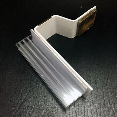 Magnetic Sign Mount For Cooler Shelf
