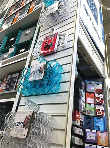 Scarf Hanger Slatwall Floor-to-Ceiling Focus