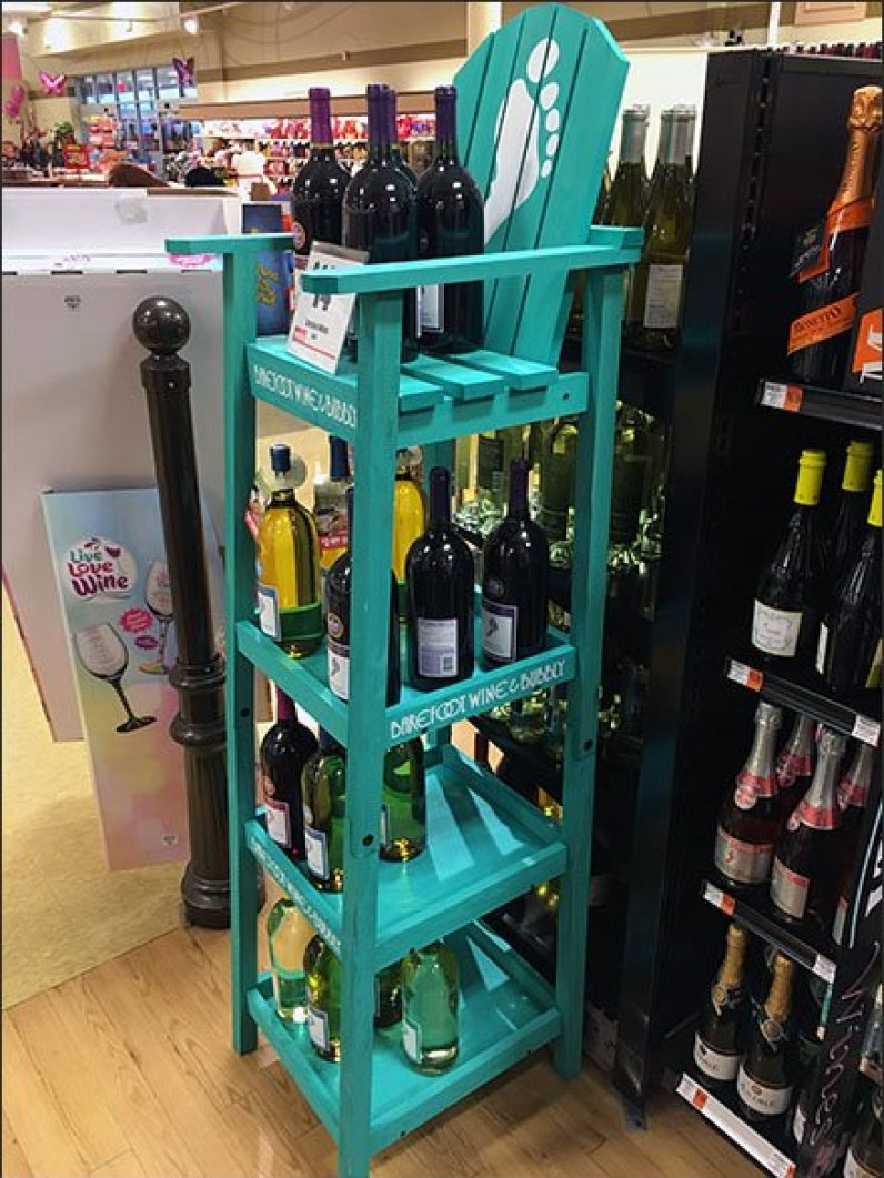 Barefoot Bubbly Wine Spirits Beach Chair 3