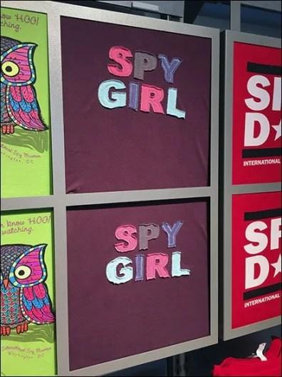 Graphic T-Shirt Billboarding Closeups