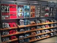 Rail-Hung Graphic T-Shirt Display Billboarding