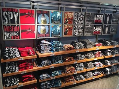 Rail-Hung Graphic T-Shirt Display Billboarding