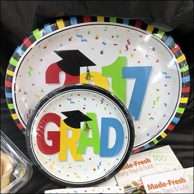 Graduation Party Tableware As Seasonal Theme