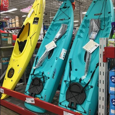 Vertical Kayak Pallet Rack Retail Display