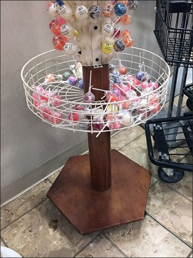 Original Gourmet Circular Basket Lollipop Tree