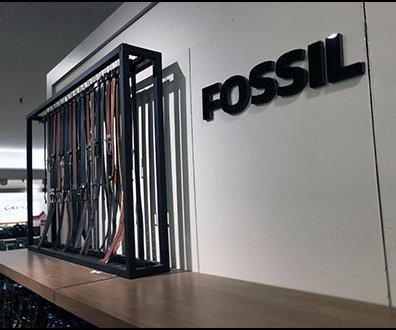 Custom Design Vertical Belt Rack for Fossil