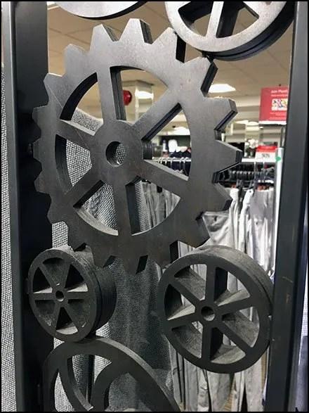 Intricate Gear-Driven Apparel Display 3