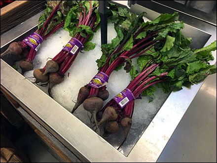 Iced Organic Red Beet Bunches
