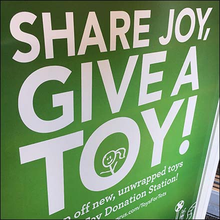 Toys R Us Toys For Tots Donations