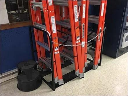 Freestanding Vertical Ladder Rack Display