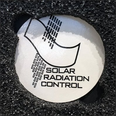 Color Sunglass Display By Solar Radiation Control Logo