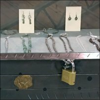 Danish Fashion Jewelry Display Case Anti-Theft
