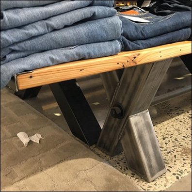 X-Brace Picnic Table Jean Display Feature