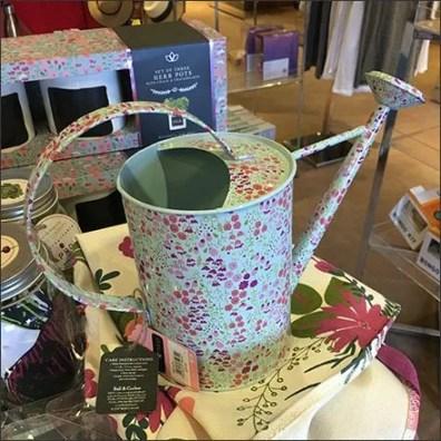 Decorator Sprinkling Can Merchandising